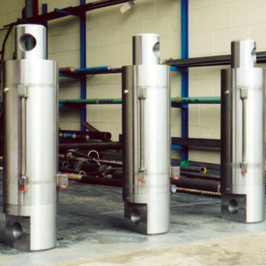 Photo of hydraulic cylinders manufactured by Force Hydraulics in the Midlands.